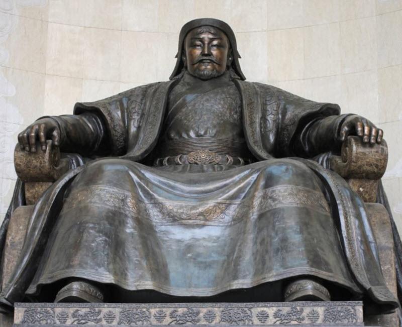امروز، 791 سال از مرگ چنگیزخان گذشت! معرفی کتاب زندگی پر ماجرای چنگیزخان (تموچین)