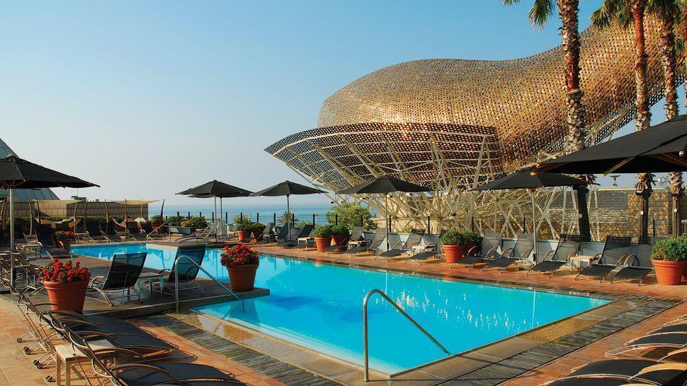 بهترین هتل های جهان با استخر