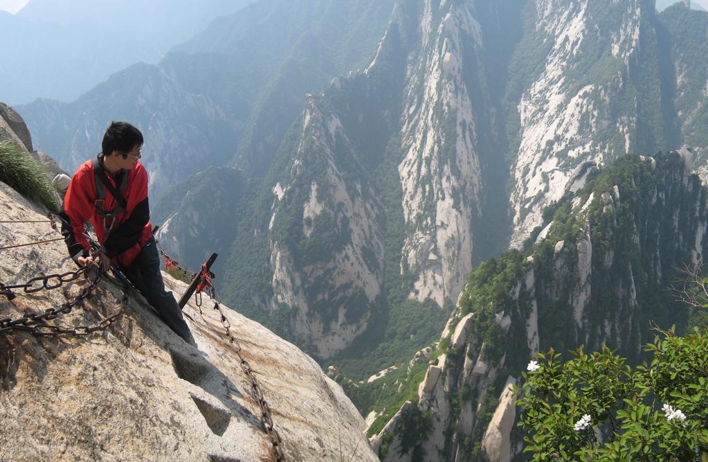 گذرگاه ترسناک هوآشان در چین