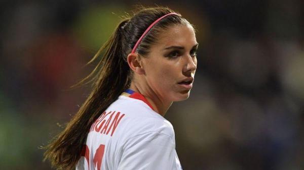 ستاره فوتبال زنان دنیا تماشاگر درخشش علیرضا بیرانوند
